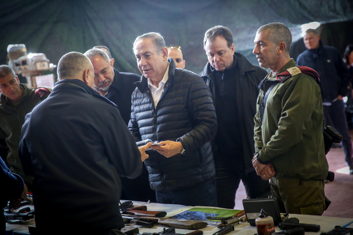 "Israeli prime minister Benjamin Netanyahu and Defense Minister Avigdor Liberman visit at the IDF West Bank Division, near the Israeli settlement of Beit El. January 10, 2017. Photo  by Hadas Parush/FLASH90 *** Local Caption *** ????? ???""? ? ???? ????? ???""? ??? ?? ??? ?????? ?????? ?????? ???? ?? ?????? ??????? ??????"