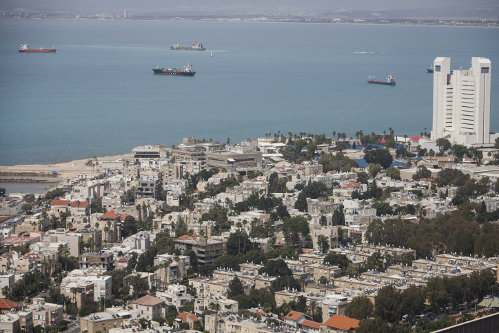 A view of the the northern Israeli city of Haifa on the Mediterranean Sea, June 4, 2016. Photo by Zack Wajsgras/Flash90 *** Local Caption *** ???? ???
