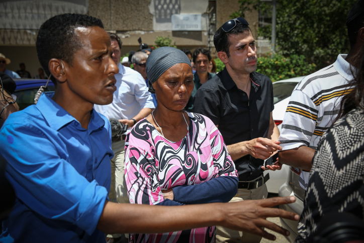Mother of Avra Mengistu seen in a press conference at their home in Ashkelon, after a gag order has been lifted over his disappearance in the Gaza Strip, on July 8, 2015. Israeli Ethiopian Mengistu was reportedly seen crossing the fence to Gaza by IDF soldiers, two months after Operation Protective Edge, then was reported held captive by Hamas, and later his footsteps disappeared. The report was under gag order since September, and released today. Photo by Flash90 *** Local Caption *** ???? ??????? ???? ????? ??? ??? ???? ??? ??? ????? ???????? ?????? ????? ????? ??? ???? ??????