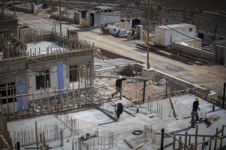 Construction of new buildings in the Israeli settlement of Shiloh. November 17, 2016. Photo by Miriam Alster/Flash90 *** Local Caption *** ???? ???????  ???? ?????
