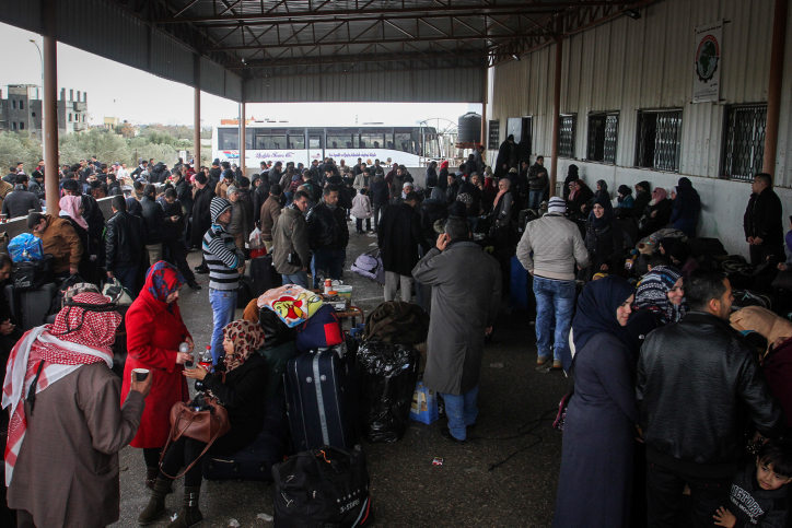 Palestinians wait for travel permits to cross into Egypt through the Rafah border crossing after it was opened by Egyptian authorities for humanitarian cases, on January 29, 2017, in Rafah in the southern Gaza Strip. Photo by Abed Rahim Khatib/ Flash90 *** Local Caption *** ????? ???? ???? ????? ??? ???? ????? ??? ???????? ??????? ????? ?????????