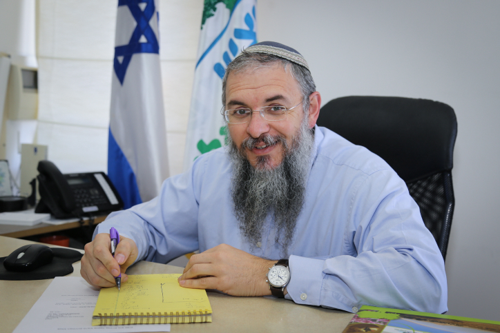 New chairman of the Gush Etzion regional council, Shlomo Neeman, begins his new role at his office, on February 20, 2017. Photo by Gershon Elinson/Flash90 *** Local Caption *** ??? ?????? ???? ?? ??? ????? ???? ???? ???? ??????? ????? ??? ??????