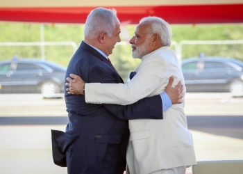 Israeli Prime Minister Benjamin Netanyahu with his Indian counterpart Narendra Modi at a farewell ceremony in his honour at the Ben Gurion International Airport in Tel Aviv on July 4, 2017. Photo by Shlomi Cohen/Flash90 *** Local Caption *** ???? ??? ?????? ??? ?? ?????? ????? ?????? ???? ?????? ?????? ??? ????? ?????