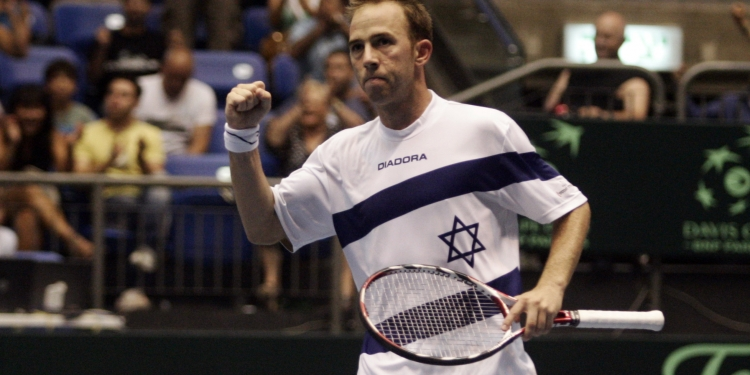 Tennis match between Russia's Mikhail Youzhny  and Israel's Dudi Sela during a Davis Cup World Group quarter final game in Tel Aviv. July 10, 2009. Photo by Uri Lenz/ FLASH90  *** Local Caption *** ???? ???? ??????  ???? ???