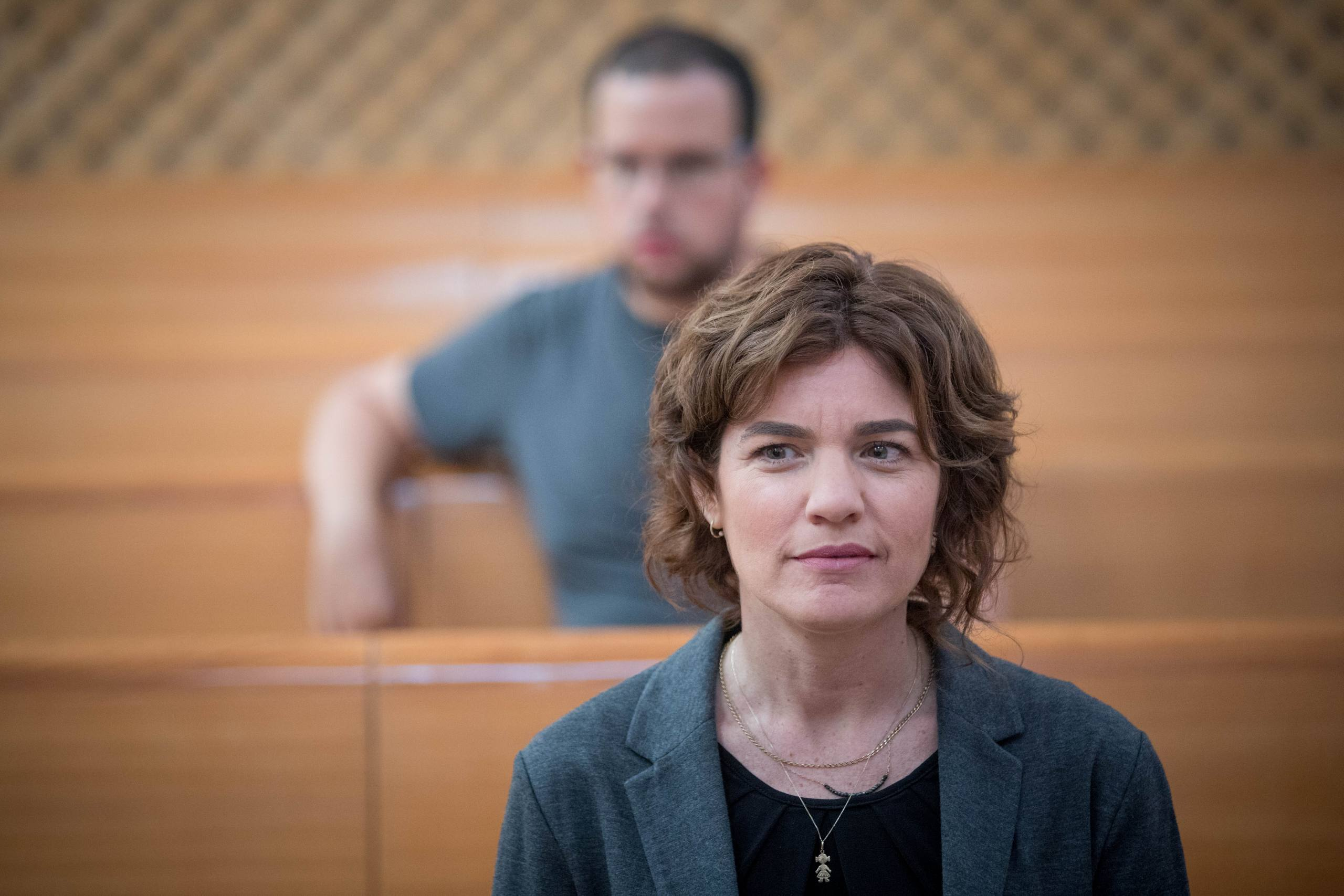 Meretz parliament member Tamar Zandberg arrives to the courtroom of the Supreme Court in Jerusalem before the start of a court hearing about public transportation in Shabat, September 11, 2017. Photo by Yonatan Sindel/Flash90 *** Local Caption *** תחבורה ציבורית תחבורה ציבורית בית משפט עליון הגשת עתירה תמר זנדברג