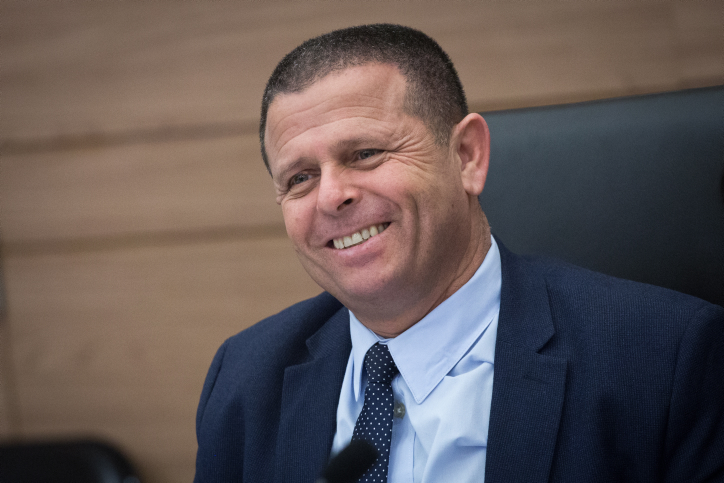MK Eitan Cabel leads an Economic Affairs committee meeting in the Israeli parliament on December 10, 2017. Photo by Miriam Alster/FLASH90 *** Local Caption *** ???? ??? ????? ?????? ????