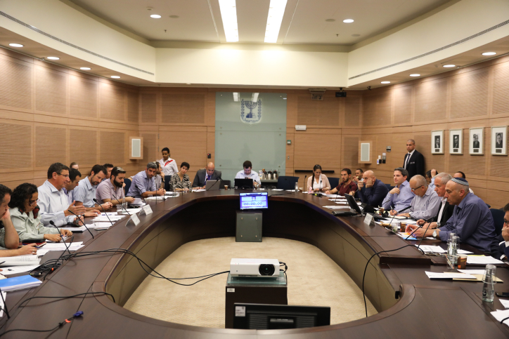 Head of the Defense and Foreign Affairs Committee Avi Dichter leads a Defense and Foreign Affairs Committee meeting at the Knesset, on July 11, 2017. Photo by Yonatan Sindel/Flash90 *** Local Caption *** ???? ??? ??????? ???? ??? ????? ????? ???? ???????