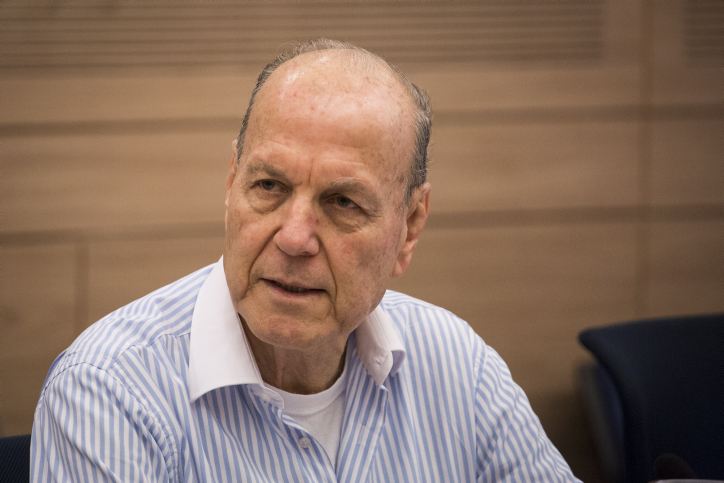 Researcher Yoram Etinger speaks during the Defense and Foreign Affairs Committee meeting discussing Demography in the Judea and Samaria region, at the Knesset, on November 10, 2014. Photo by Hadas Parush/Flash90 *** Local Caption *** ????????  ????? ??????? ???? ??? ??????? ???? ?????? ?????? ?????