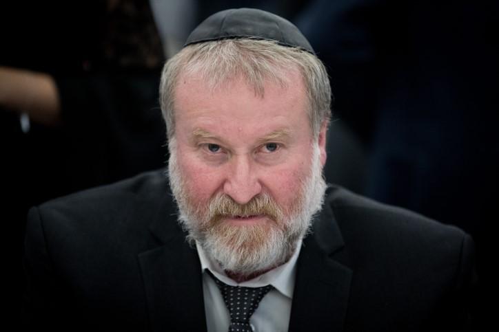 Au royaume de Chelm: le conseiller juridique du gouvernement opposé à l'expulsion des familles de terroristes!