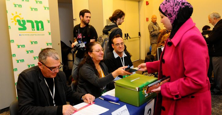 """A Meretz member casts her vote for the Meretz primary at the Tel aviv casting poll on Feb 7 2012. Photo by Yossi Zeliger/Flash90 maarivout *** Local Caption *** ??????  ?????? ??""""?  ????? ??""""? ??? ??? ???????"""
