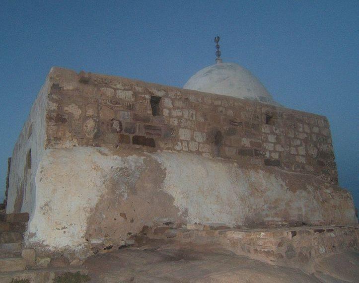 Tombe d'Aaron: des experts jordaniens veulent la démolir!