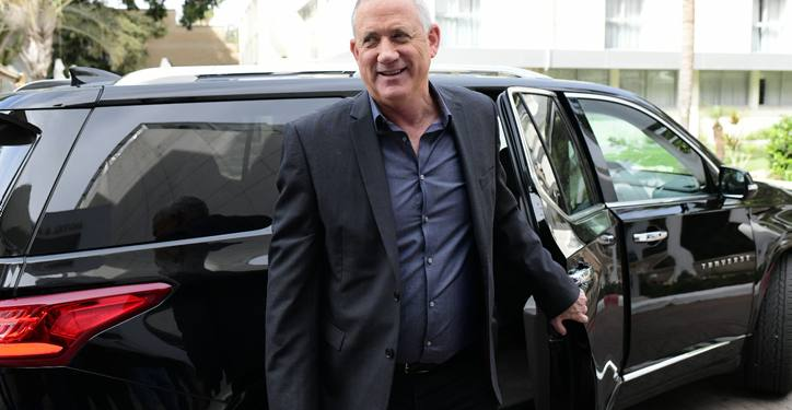 Head of the Blue and White party Benny Gantz arrives for a meeting with Yisrael Beytenu leader Avigdor Liberman in Ramat Gan on March 9, 2020. Photo by Tomer Neuberg/Flash90 *** Local Caption *** ??? ??? ??????? ?????? ???? ??? ????? ????? ????? ????? ????? ???????