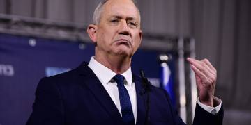Head of Blue and White party Benny Gantz holds a press conference at Kfar Maccabia on February 26, 2020. Photo by Tomer Neuberg/Flash90 *** Local Caption *** ???? ??? ??? ??? ????? ???????? ?????? ?????