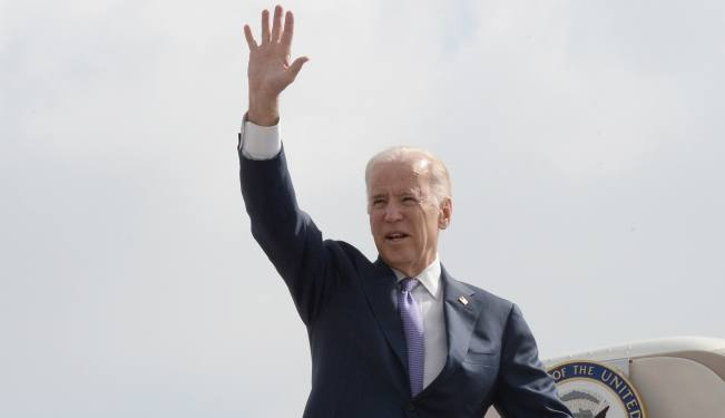 United States Vice President Joe Biden seen waving as he boards his plane after after 2 days visit to Israel and the Palestinian Territories. Photo by Matty Stern/US Embassy of Tel Aviv ***US EMBASSY TEL AVIV HANDOUT EDITORIAL USE ONLY/NO SALES*** *** Local Caption *** ?'? ????? ??? ???? ????? ????? ????? ??? ????? ????