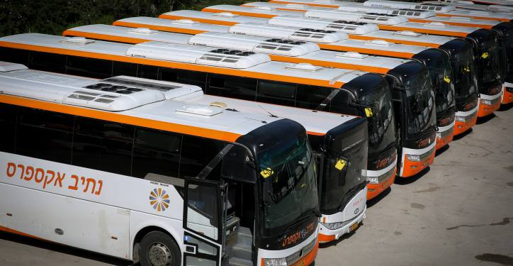 Public buses parked at a parking lot in Tzfat. The daily Israeli life has largely shut down with more cases of people being infected by the Coronavirus. April 03, 2020. Photo by David Cohen/Flash90 *** Local Caption *** ?????? ????? ??????? ?????? ???