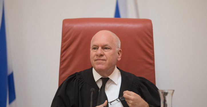 Supreme court justice Uzi Vogelman arrives for a court in the appeal against the dismissal of Judge Ronit Poznansky Katz from her position as a Judge, October 31, 2018. Photo by Yonatan Sindel/Flash90 *** Local Caption *** ???? ?????? ??? ???? ????? ????? ????? ??? ???? ????? ????? ????? ???????? ?? ???? ??????